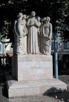 Скульптурная группа, установленная в 1916 в ознаменование присоединения Каружа к Женеве